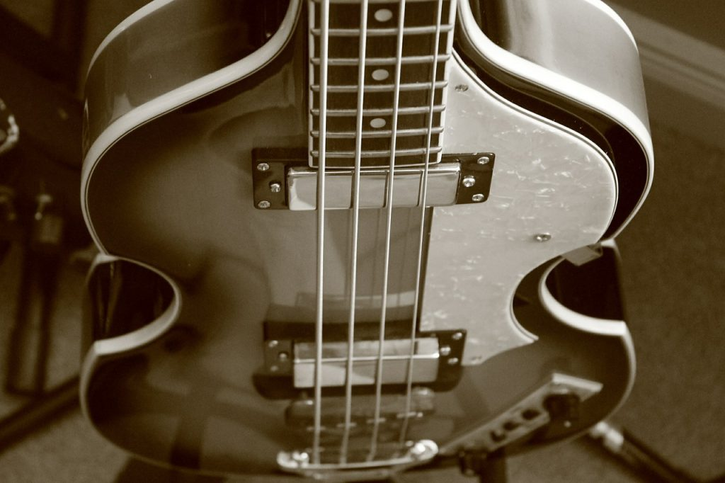 Tips on playing perfect tune on bass guitar